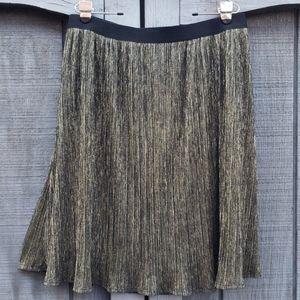 Ava & Viv Gold Metalic Pleated Skirt - sz 1X